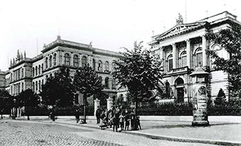 RWTH Hauptgebäude voor de tweede wereldoorlog.